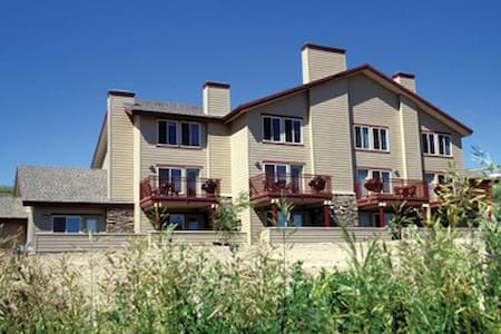 Mountain-Bear Lake, UT Resort 2 Bdrm Condo - Garden City - Villa