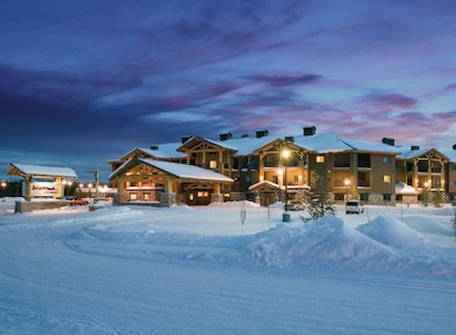 Montana-MT-West Yellowstone Resort 2 Bd Queen - West Yellowstone - Condominium