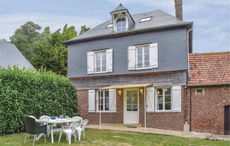 Semi-Detached with 3 bedrooms on 95m² in Le Bourg-Dun