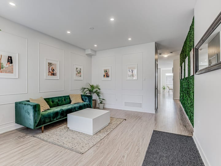 NEWLY RENOVATED, 3 Bdrm Modern Oasis W/ Parking!!!
