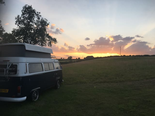 Relish Rooms - The Campervan