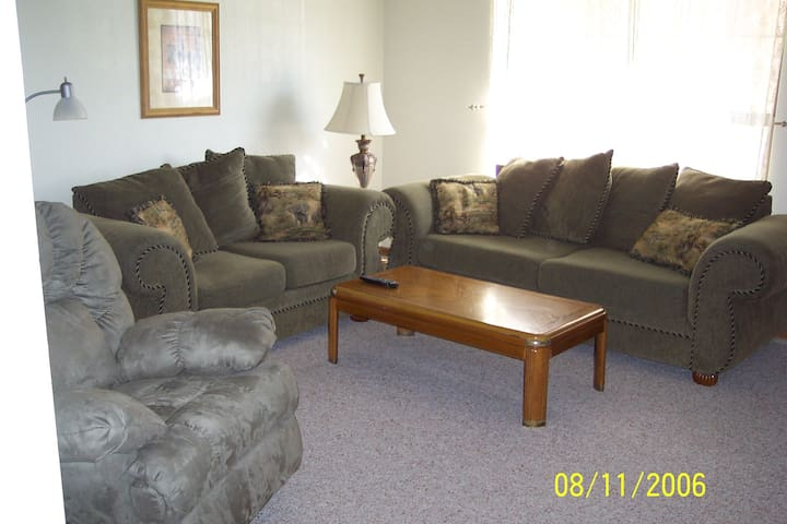 Furnished Duplex-Near St. Louis