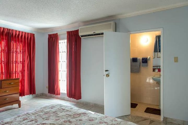 Beautiful Caribbean Getaway - Montego Bay - Apartamento