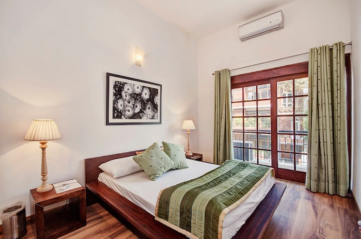 Secludecity 3BHK Apartment@Safdarjung Enclave - New Delhi - Lägenhet