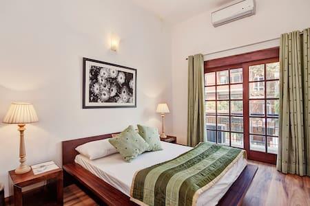 Secludecity 3BHK Apartment@Safdarjung Enclave - New Delhi - Huoneisto