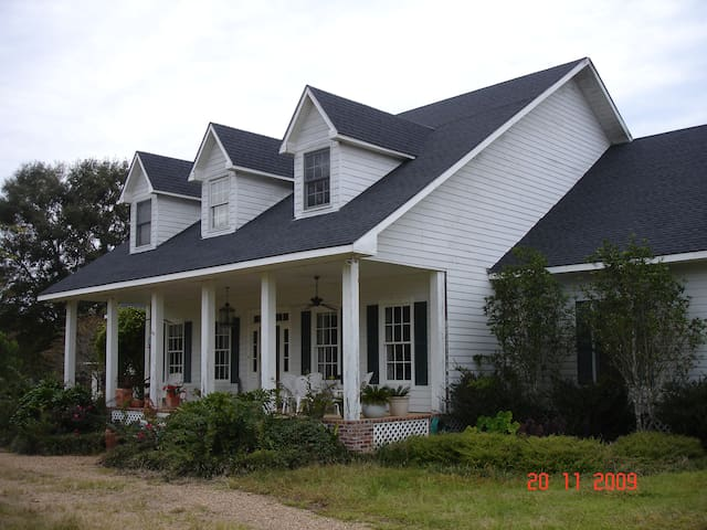 65 Acre country retreat Bayou Sara - St. Francisville - Casa