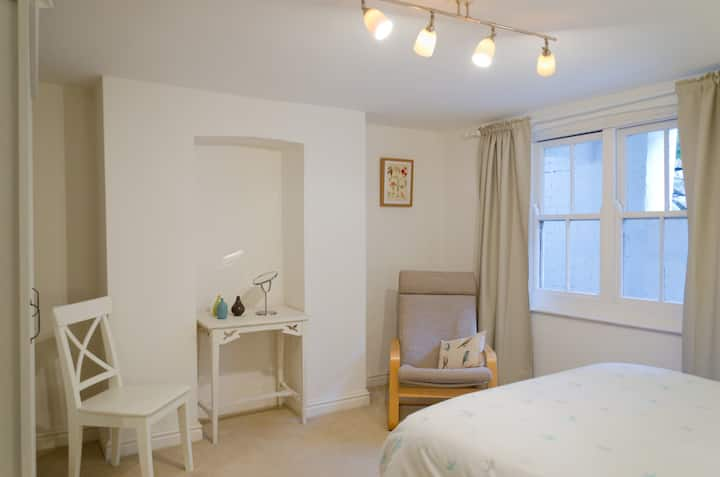 Topsham Garden Apartment