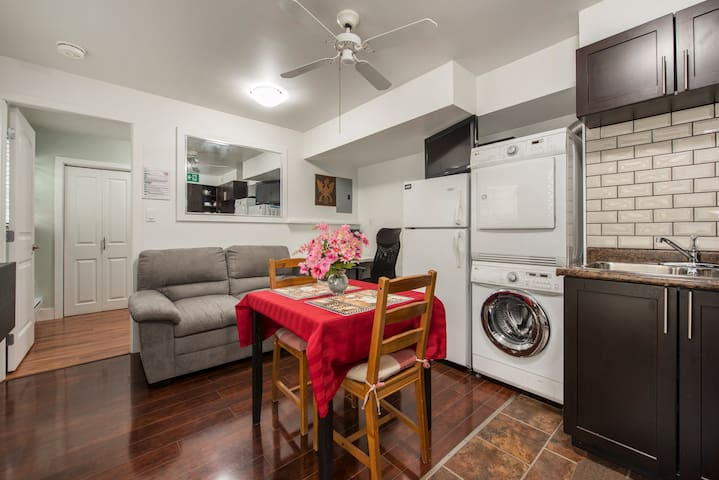 Private Entrance 1BR Suite. Centrally Located