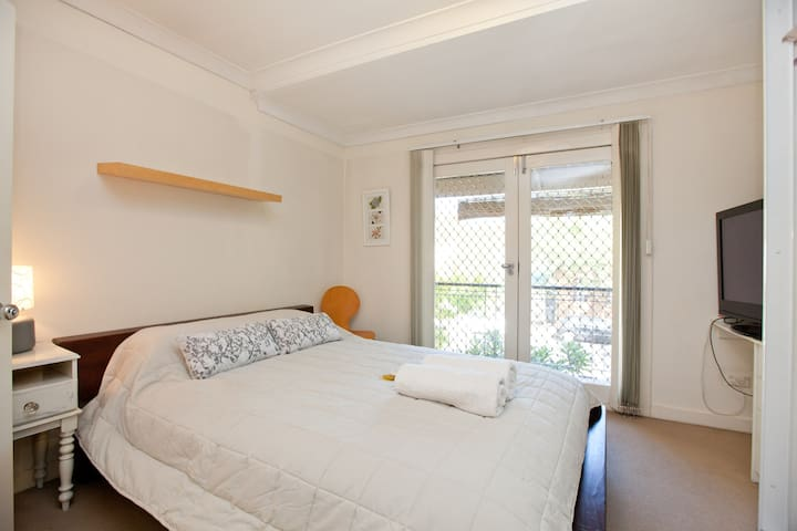 Awesome Inner Sydney + Ensuite & TV - Alexandria - House