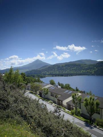 Loch Rannoch Sleeps 6 plus dog