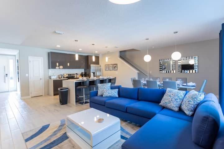 Elegant and Fun 4BR Home With Splash Pool - 4403