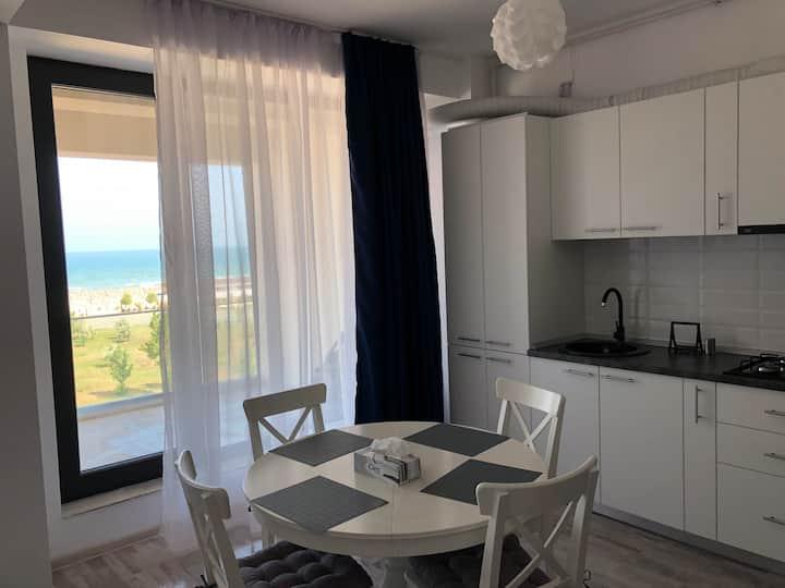 Summer Vibe - apartament cu vedere directa la mare