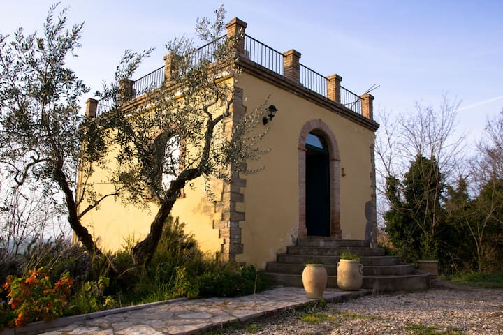 Antico torrino di caccia nobiliare - Guglionesi - Istana