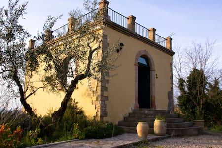 Antico torrino di caccia nobiliare - Guglionesi - Zamek