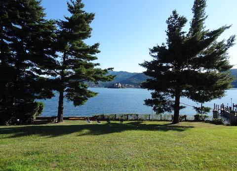 Lake Orta relax studio with garden, canoes,bikes