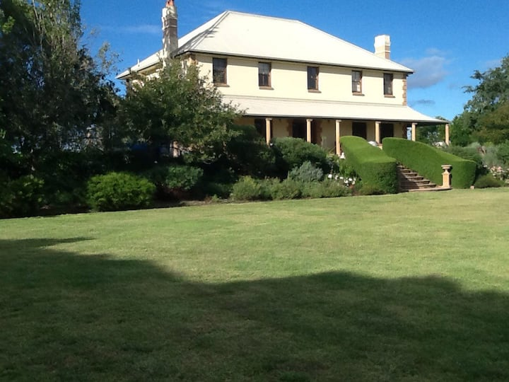 Wallaroo Homestead rural retreat and wedding venue