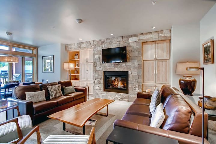 Lionshead Village condo with ski-in/ski-out access & shared pool & hot tubs