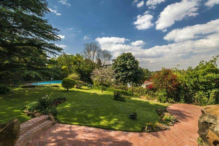 Amazing garden in BryanFern