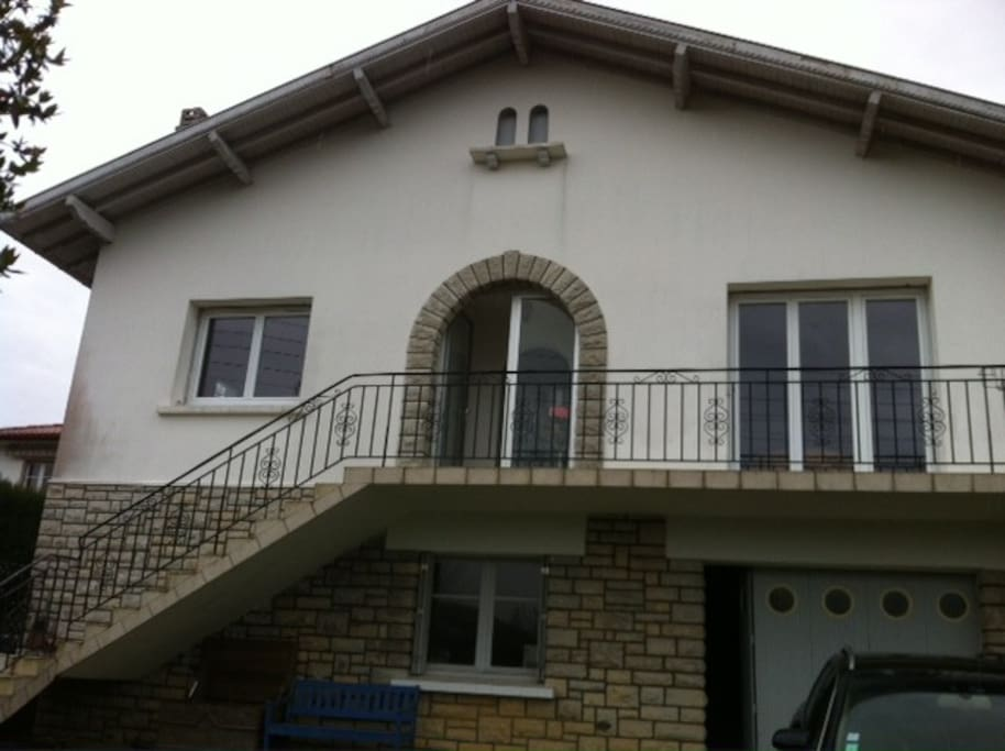 Appartement dans maison bayonne btz appartements louer for Maison sur bayonne