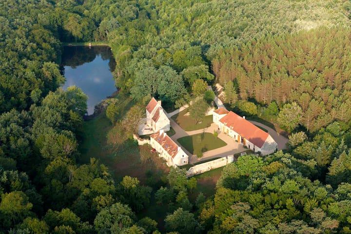 """Domaine Ris de Feu-Gîte """"L'Anglin""""  - Chalais - Haus"""