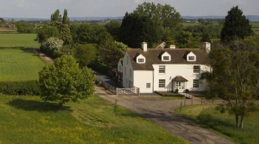 Brunsdon House & Annex