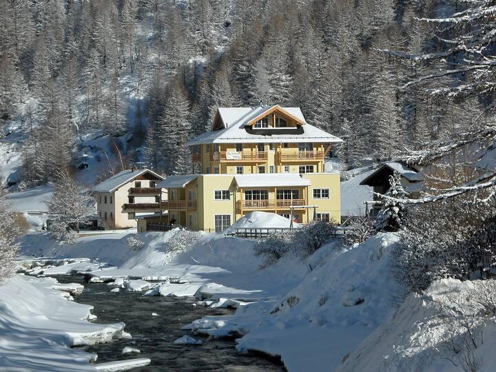 alpine ski apartment/summer biking and hiking