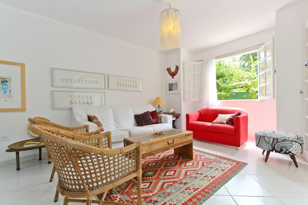 Living room to share /Sala de estar