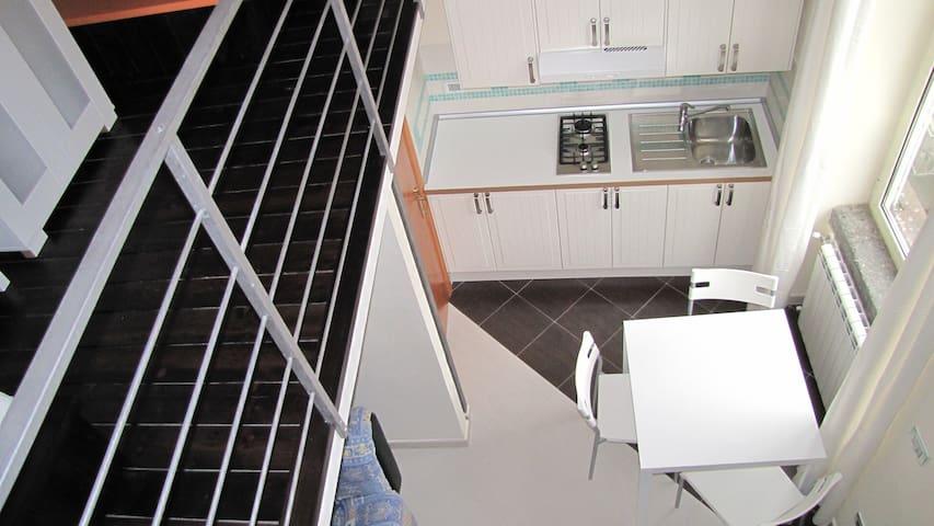 Mini apt - central area/wifi free - Neapel - Wohnung