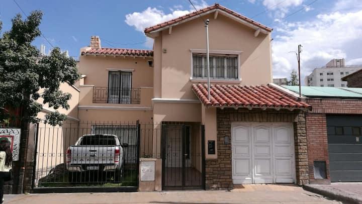 Habitaciones en Hermosa casa en Mendoza