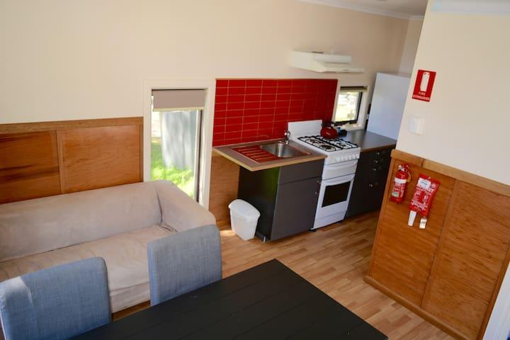 Bimbi Park Kitchen/Lounge/Dinning