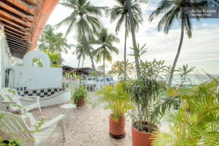 Seaside Cozy Condo in PV