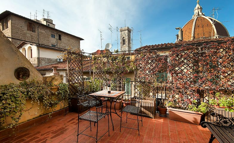 Yome - Panoramic Loft - terrace Duomo view - Florenz - Loft