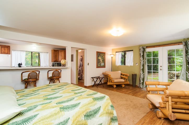 Optional Studio Suite with separate entrance, additional kitchenette and bathroom.
