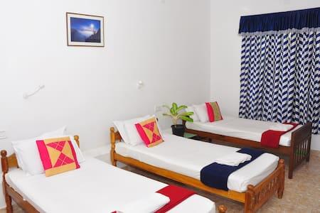 LAZAR RESIDENCY  KOCHI - GUEST  ROOM 4 - Kochi - Bed & Breakfast