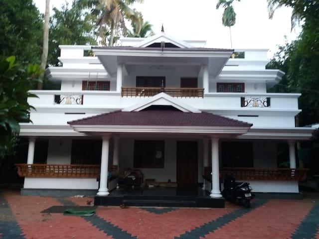 Kavungal Villa, Pariyaram