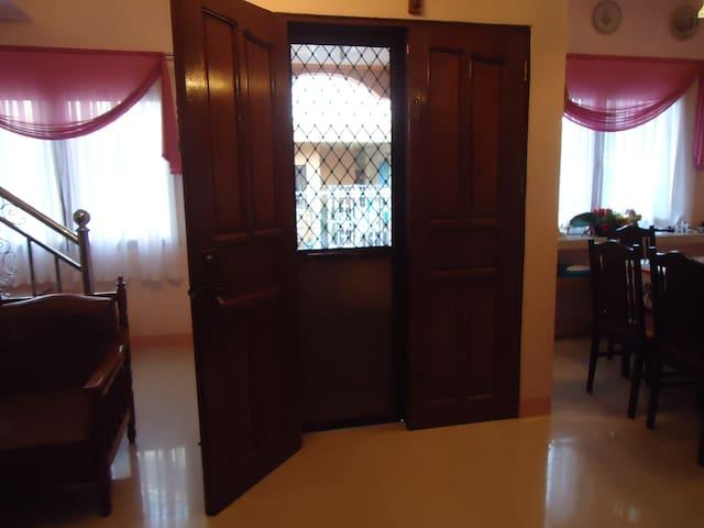 1st Floor: Front Door