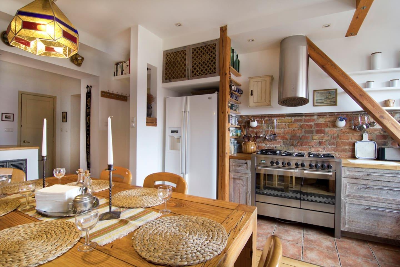 Świetnie wyposażona kuchnia. Fully equipped kitchen.