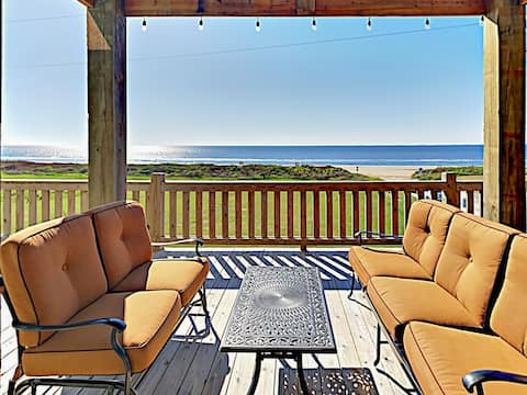 Welcome to Crystal Beach! A private deck on the first floor offers sweeping gulf views and a comfy sitting area.