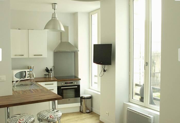 Appartement T2 centre La Rochelle 1er étage - La Rochelle - Pis