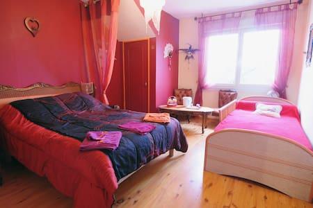 chambre baroque / table Caux-Breizh - Rohan - 公寓