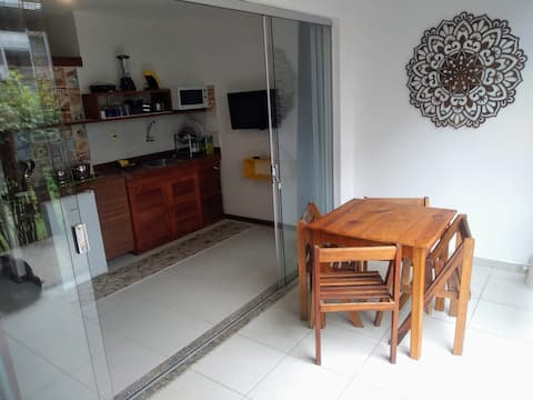 Mini apartamento a 50 metros do mar!!