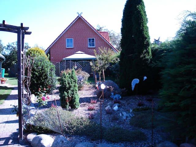 Garten/Pavillion