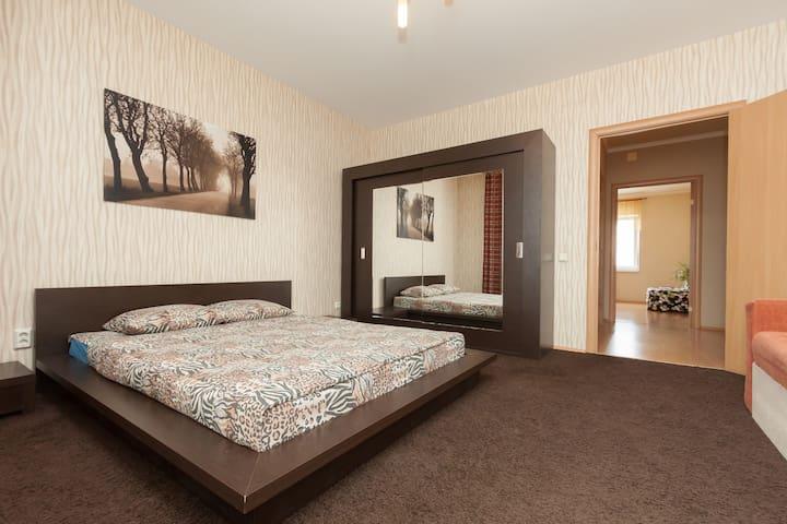 3 room apartment business class - Yekaterinburg - Flat