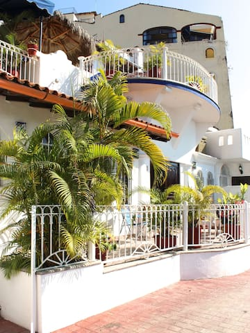 Beachfront Condo @ Conchas Chinas - Puerto Vallarta - Apartment