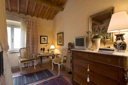 mimosa camera di charme - Pistoia - Bed & Breakfast