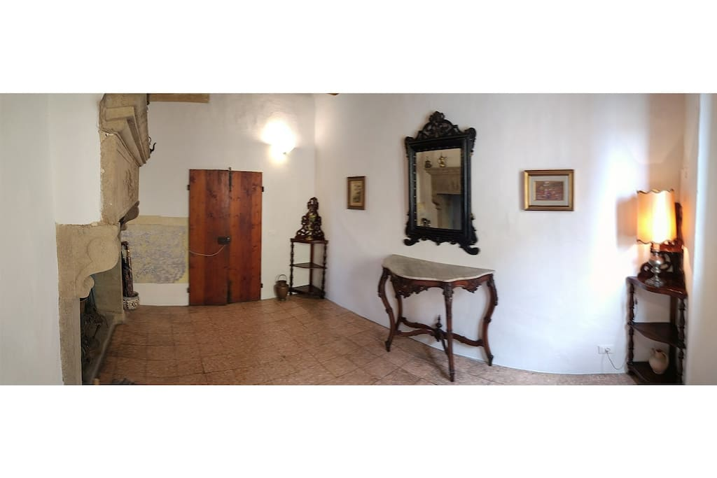 The fireplace room, entrance