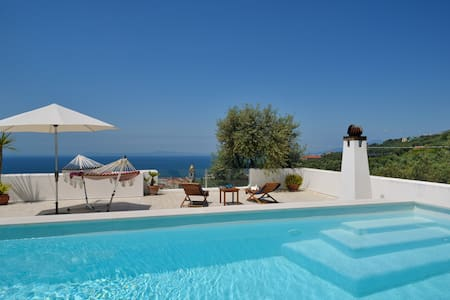 House with pool in Massa Lubrense