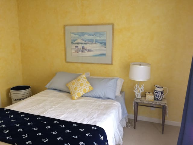Charming room, short walk to Downtown Campbell - Campbell - Reihenhaus