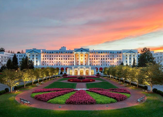 The Greenbrier Resort  - Private Home 4BR/4BA