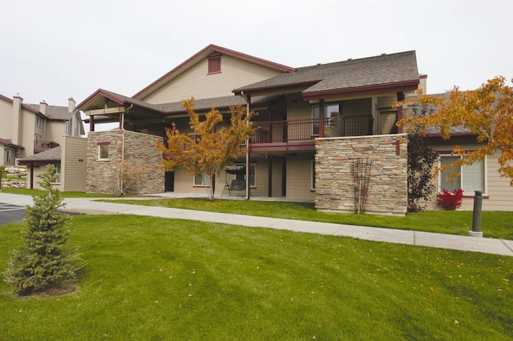 Bear Lake Private Apartment sleeps 5 People